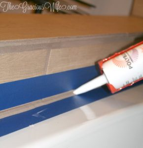 How to Make Perfectly Straight Caulk Lines - easy DIY project.  Finish your kitchen or bathroom with perfectly straight caulk lines with this easy DIY life hack | DIY hack |