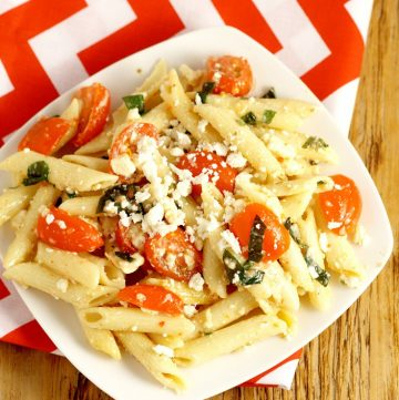 Super Easy Pasta Salad recipe with Italian dressing - Perfect for Spring or Summer and oh-so-delicious! My kids LOVE this!