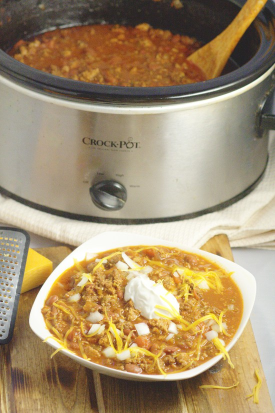 Crockpot beef chili the gracious wife crockpot beef chili made with a classic ground beef chili recipe simmered to comfort food forumfinder Images