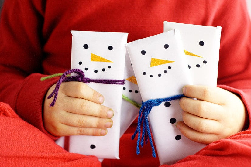 22 Homemade Christmas Gifts | Snowman Chocolate Bars | Beanstalk Mums