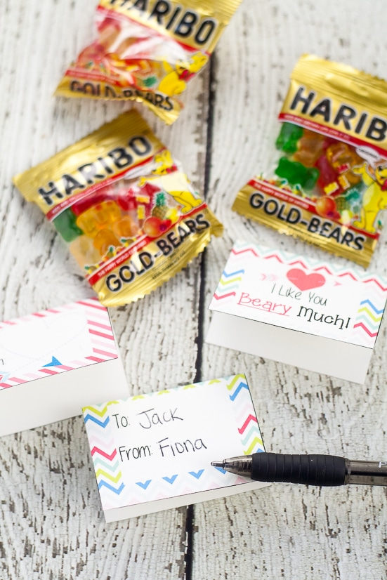 Free Printable Gummy Bear Valentines for Kids - Free Printable Gummy Bear Valentines that are easy to put together and perfect for kids to hand out at their school Valentine's Day party.