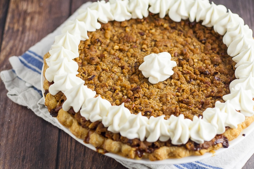 Sweet Potato Pie with Crumble Topping Recipe - Classic sweet potato pie recipe topped with a brown sugar and pecan crumble topping, just like your favorite sweet potato casserole, for a Thanksgiving pie recipe that is sure to please! #pie #recipe #pierecipe #sweetpotato #Thanksgiving